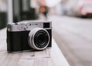 Fujifilm's X100V strengthens the case for owning a compact camera – TechCrunch